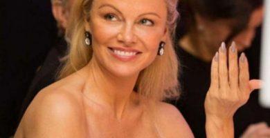 Pillan a Pamela Anderson con un nuevo novio futbolista