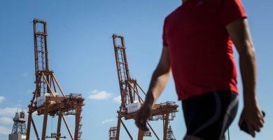 Los estibadores echan un pulso a Anesco e inician negociaciones unilaterales con las empresas