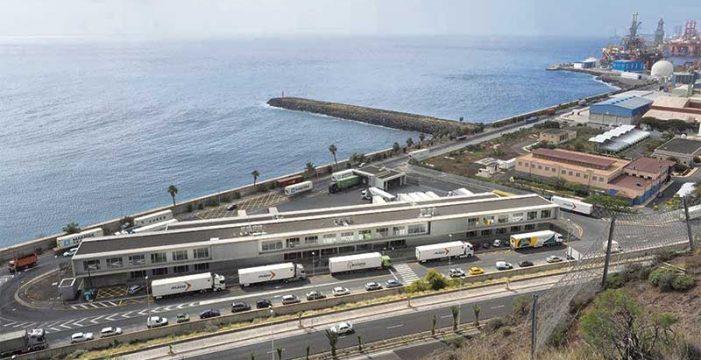 Puertos de Tenerife movió 2,3 millones de toneladas en mercancías específicas