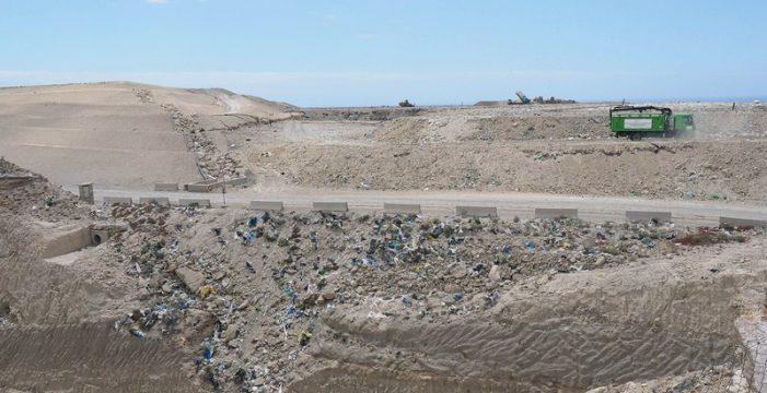 """""""Seguir enterrando  basura en Arico es una bomba"""""""