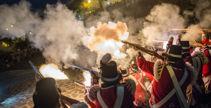 Santa Cruz conmemora la Gesta con los 250 años del cañón El Tigre y la 'nueva' plaza de los Patos