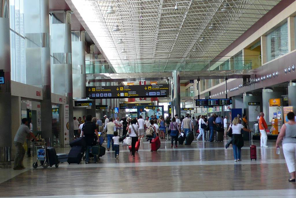 Resultado de imagen de aeropuerto tenerife