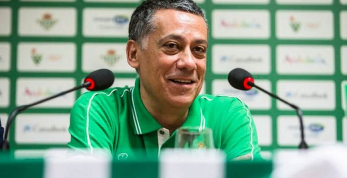 El Real Betis destituye al técnico tinerfeño Alejandro Martínez