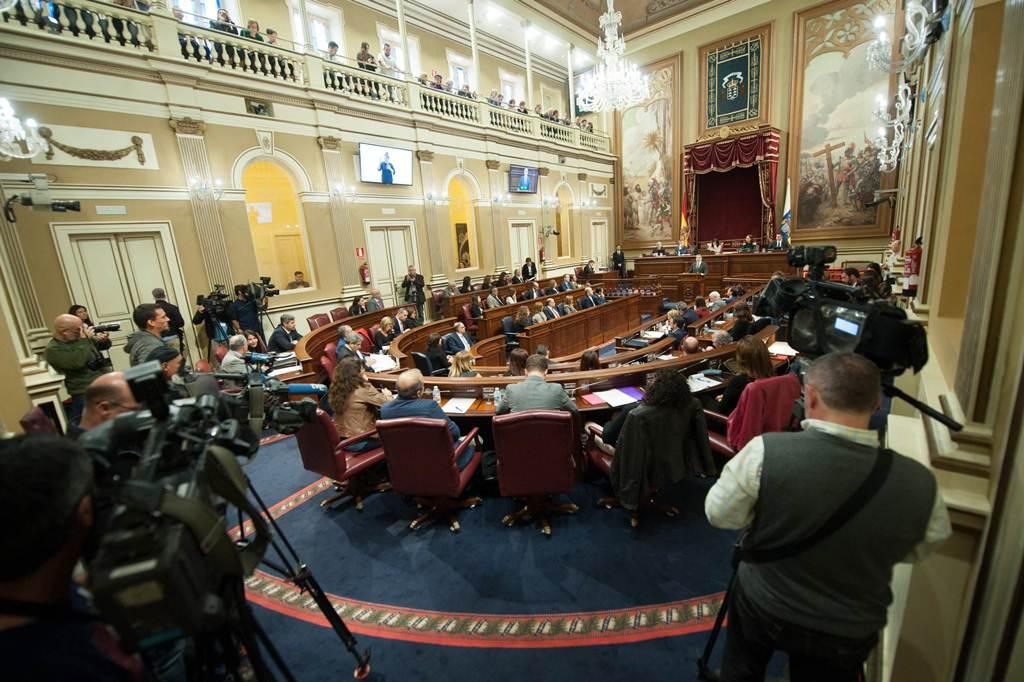 El parlamento canario tendr m s diputados seg n la for Numero legale parlamento