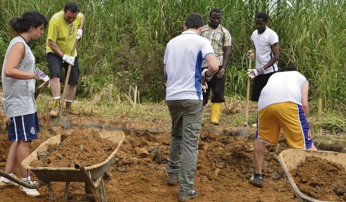 Este año los estudiantes de san ildefonso inician la construccion de un internado. Foto cedida