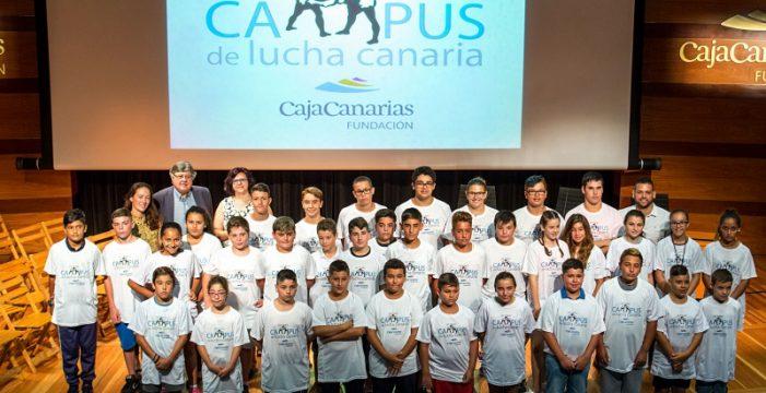 La Fundación CajaCanarias pone en marcha su VIII Campus de Lucha Canaria