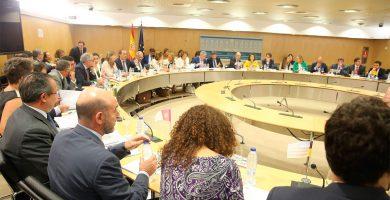 Hacienda aprueba nuevos objetivos de déficit autonómico con el apoyo de Canarias