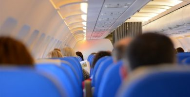 Pasajeros en un avión | EP