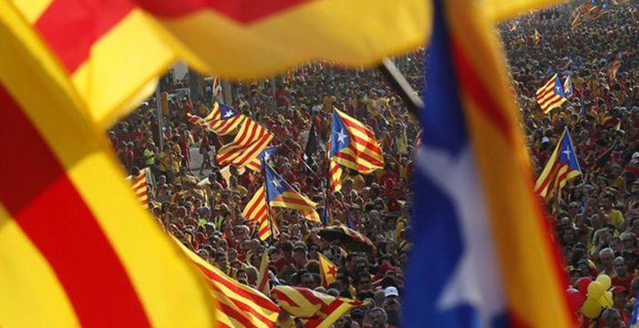 Sáenz de Santamaría informa a PSOE y Cs de la medida sobre el FLA de Cataluña