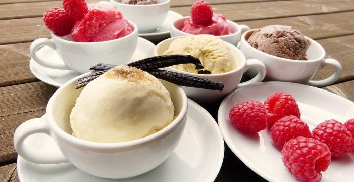 Dos deliciosas recetas para hacer tus propios helados caseros