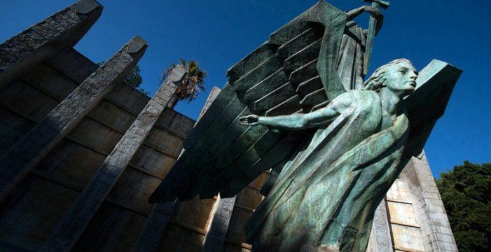 Bermúdez está a la espera de un informe sobre el monumento a Franco