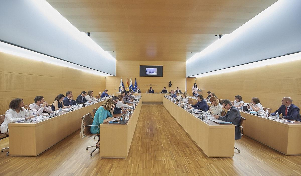 El escándalo por el swap fue tratado durante el pleno celebrado ayer. Europa Press