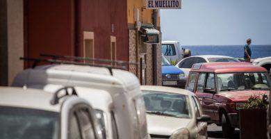 La avalancha de visitantes en coche colapsa San Andrés