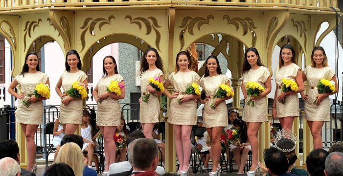 La cantante Angy y nueve candidatas protagonizan hoy la gala de las Fiestas del Carmen