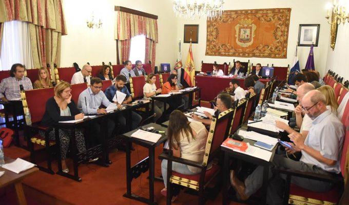 El juez devuelve al Consistorio lagunero el dictamen de la comisión de grúas