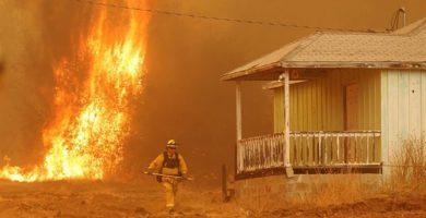 Ascienden a 5.000 los evacuados a causa de los incendios en California
