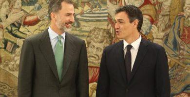 El encuentro entre el Rey y Pedro Sánchez se prolonga casi dos horas