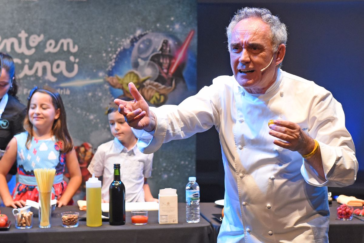 Más de 200 niños disfrutaron junto a Ferran Adrià de una jornada culinaria | FOTO: Sergio Méndez