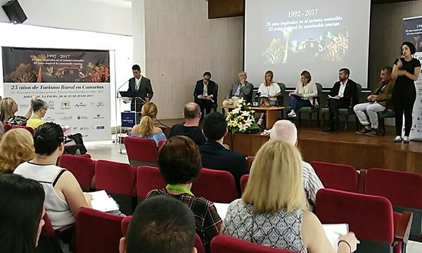 Vanoostende destaca la importancia del turismo rural en La Palma