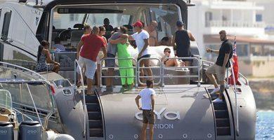 La Policía Aduanera aborda el yate de Cristiano Ronaldo en alta mar