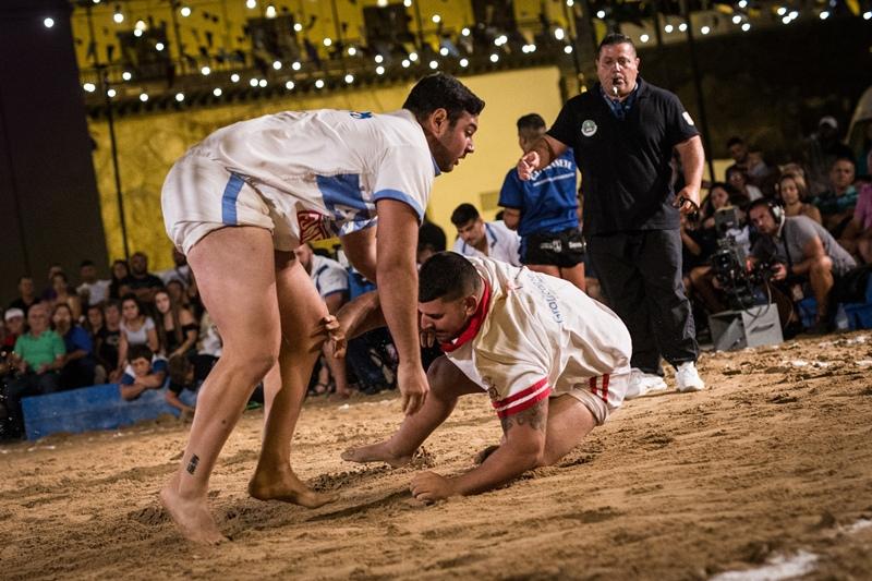 Ricardo Luis, juvenil del Arafo, durante la Luchada de La Candelaria. | Andrés Gutiérrez