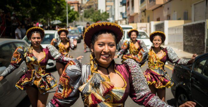 La procesión de la Virgen de Urkupiña, de Bolivia a Tenerife