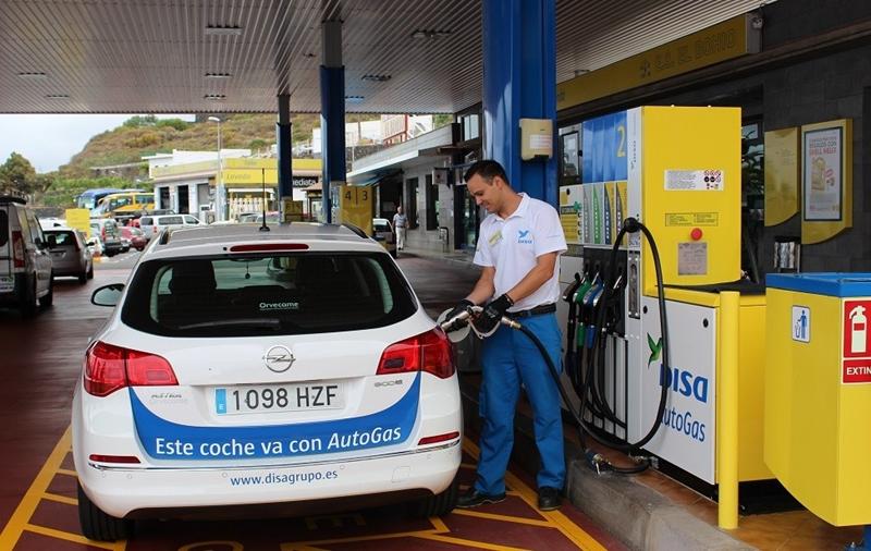 Estacion de Servicio gasolinera El Bohio DISA Autogas