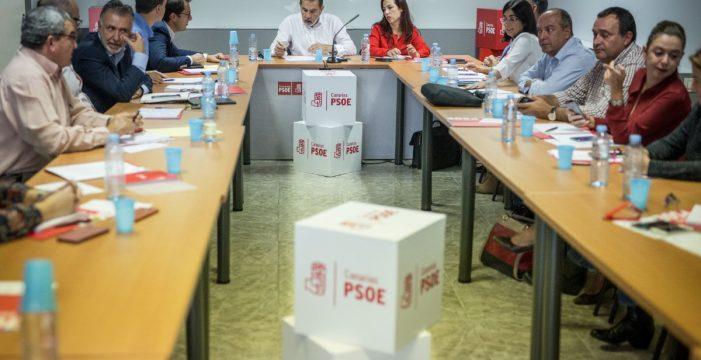 El PSOE de Canarias pone por escrito su oposición a los pactos en cascada