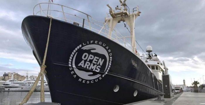 """Una ONG española denuncia que su buque fue """"secuestrado"""" durante 2 horas por guardacostas libios"""