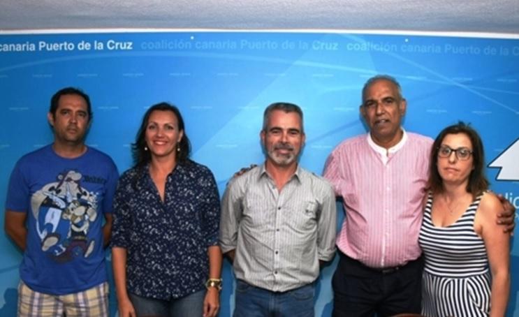 Juan Carlos Marrero (centro) junto a los miembros de su nueva ejecutiva. DA