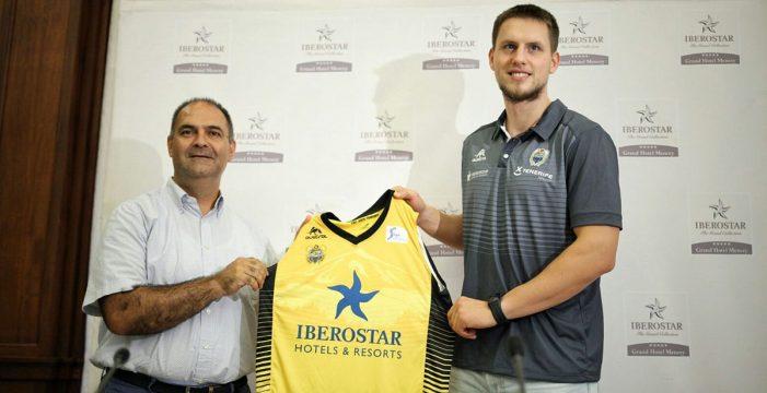 Mateusz Ponitka, presentado hoy como nuevo jugador del Iberostar Tenerife