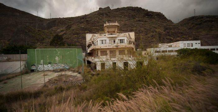 El puerto invierte 3,2 millones para evitar la caída de rocas a la autovía de San Andrés