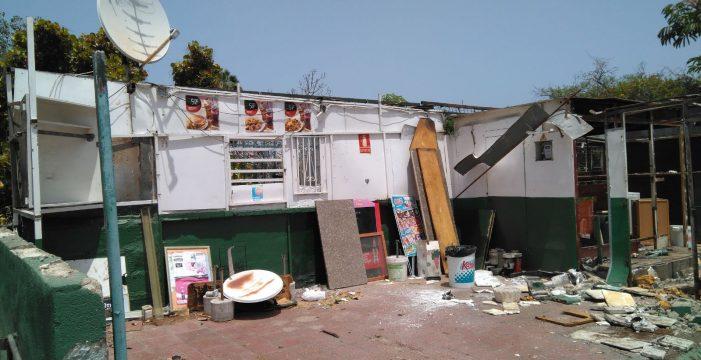El dueño del autobar de la estación de guaguas del Puerto de la Cruz no retira sus bienes