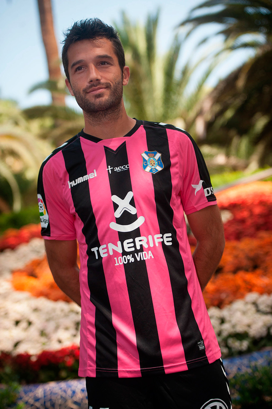 EQUIPACIONES CD TENERIFE LUCHA CANCER 3