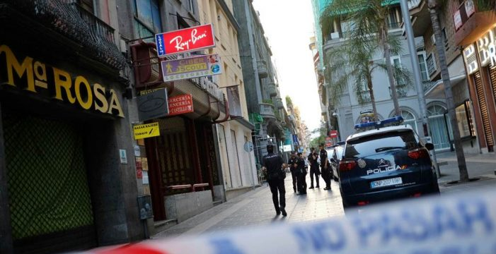 Susto en la calle Castillo por una explosión en un comercio