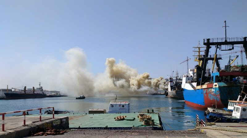 Incendio en un buque ruso en el Puerto de la Luz y de Las Palmas-1058469_800