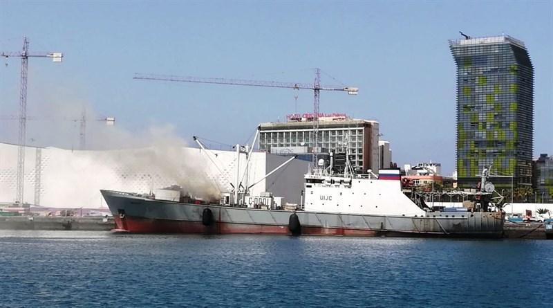 Incendio en un buque ruso en el Puerto de la Luz y de Las Palmas-1058479_800