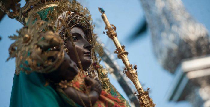 Procesión, 'Ave María' y parrandas