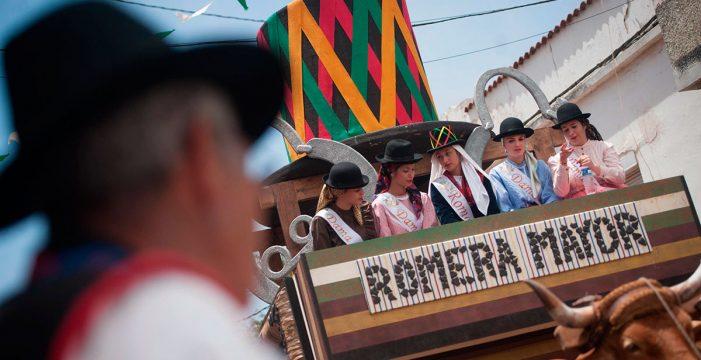 Miles de magos confirman la buena salud de la romería de La Esperanza