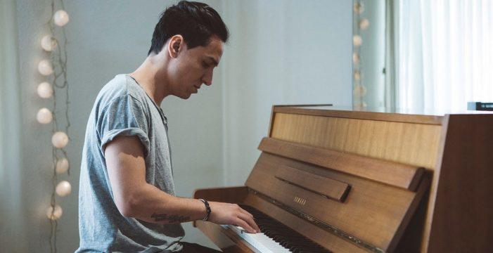 """""""Compongo para que las canciones elijan a su público"""""""