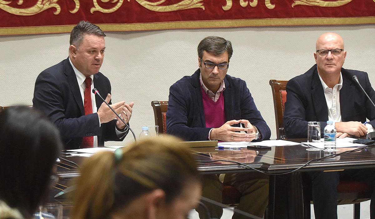 Santiago Negrín, durante una comparecencia en la comisión de control de RTVC. Andrés Gutiérrez