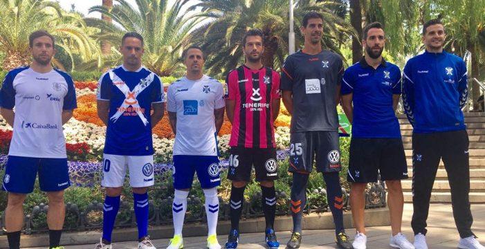 El Tenerife presenta su equipación