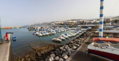 Un joven herido grave al golpearse con la hélice de un barco en Gran Canaria