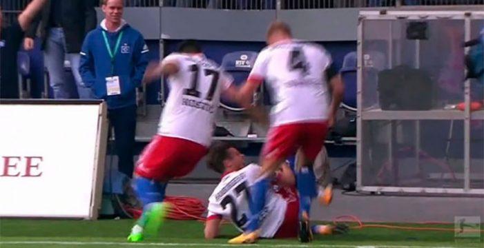 Se rompe los ligamentos celebrando un gol