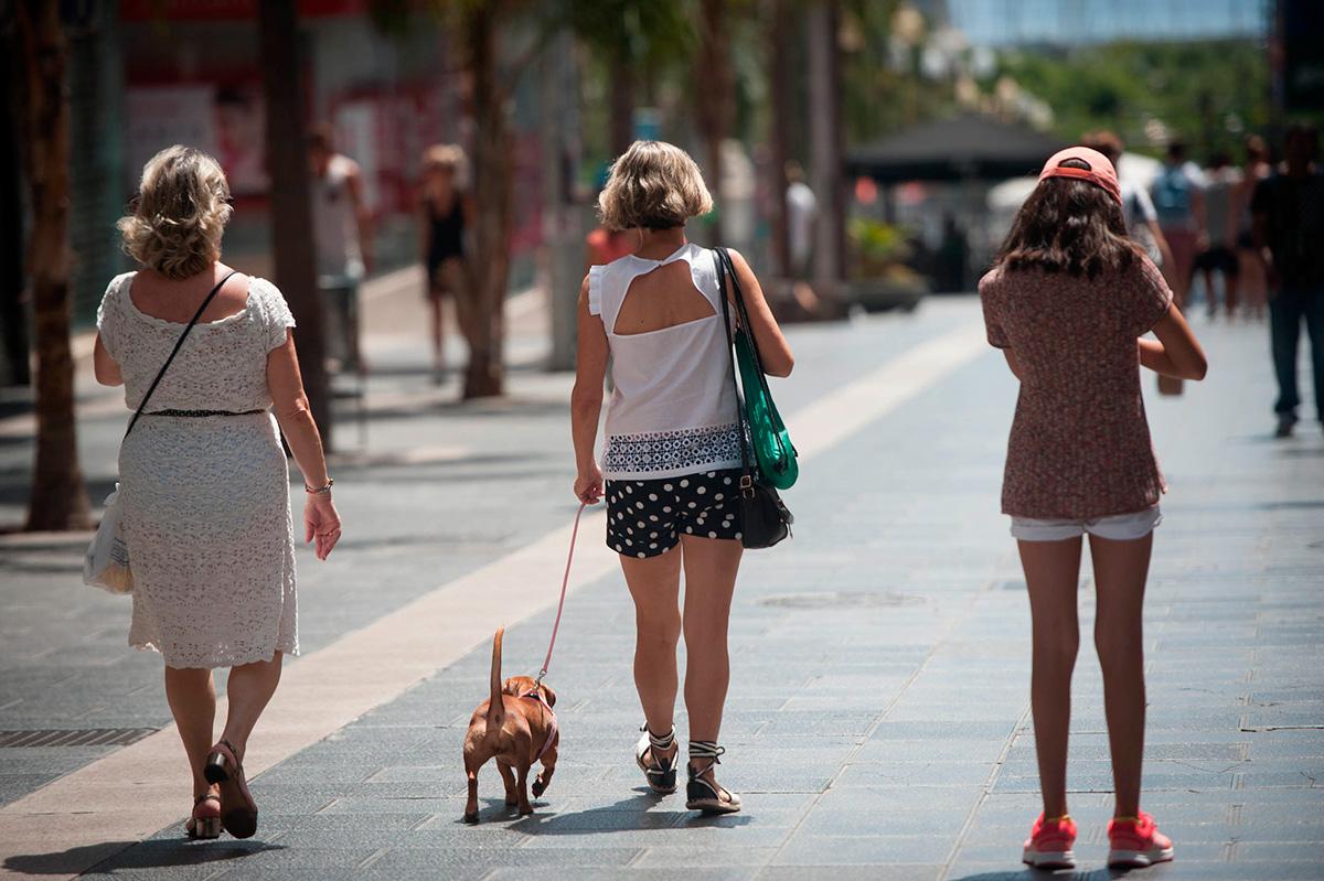 El público le dio ayer la espalda al Ven a Santa Cruz, el fuerte calor y las vacaciones de agosto se dejaron notar en la capital. FRAN PALLERO