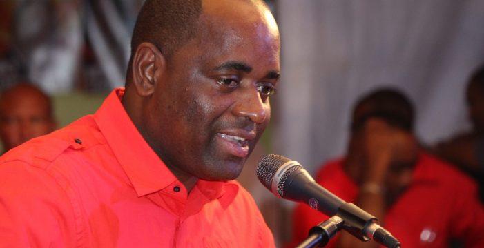 """El primer ministro de Dominica tras el 'María': """"Mi techo voló"""""""
