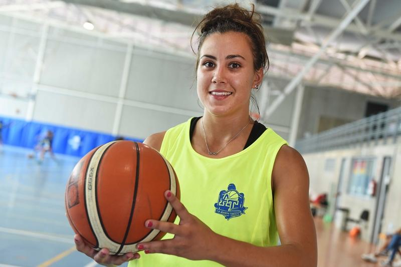 Ainara Ramasco está considerada una de las mejores bases de toda la Liga Femenina 2. Sergio Méndez