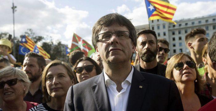 La Guardia Civil entra en Girona en busca de la prevaricación de Puigdemont
