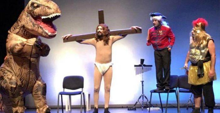 Abubukaka zanja la polémica desatada por su actuación en las Fiestas del Cristo