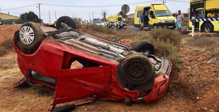 Dos heridos tras un vuelco en Antigua (Fuerteventura)